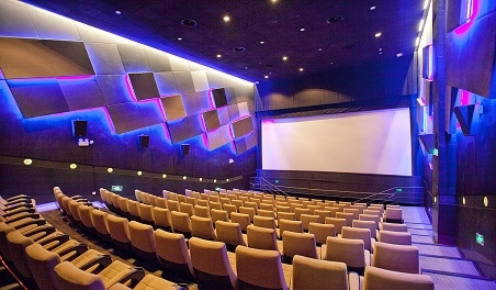 Problems to be noted in the design of acoustic noise reduction in cinemas